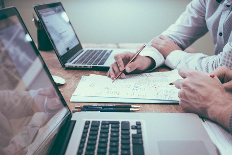 Delle linee guida efficaci sono essenziali per una buona collaborazione tra autore e cliente.